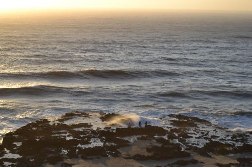Can you spot the adventurers down at the edge of thor's well?!